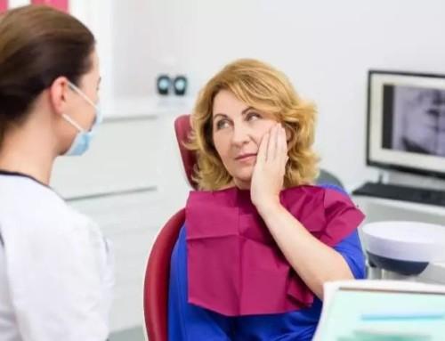 7 natürliche Mittel gegen Zahnschmerzen